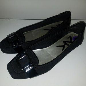 Anne Klein Shoes - Black flats